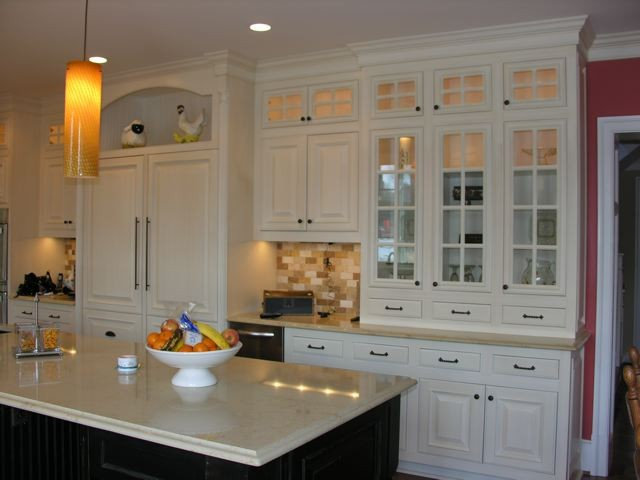 ... Custom Kitchen ...